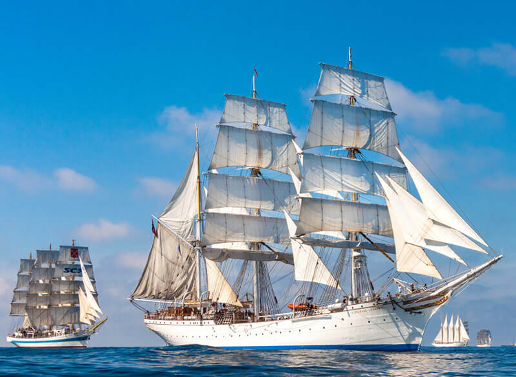 Boston Cruiselines Offering Public Grand Parade Tall Ship