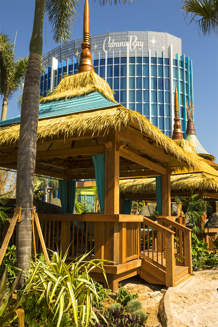 Universal Resorts Volcano Bay Private Cabanas